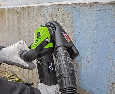 EOF 100 Paint Shaver On Concrete