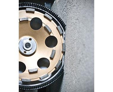 """Pulidora de concreto de 7"""" para trabajo pesado - 20 amperios con extracción de polvo moliendo al borde"""