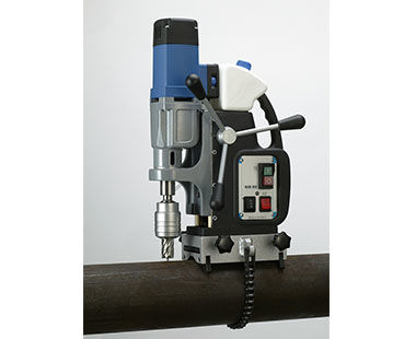 MAB 485 with Optional Pipe Saddle Clamp for secure drilling of pipes and tubular material