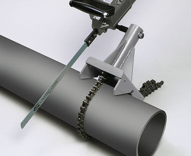 Manual clamp for cutting with hacksaw