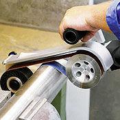 Pipe sanding and polishing machine