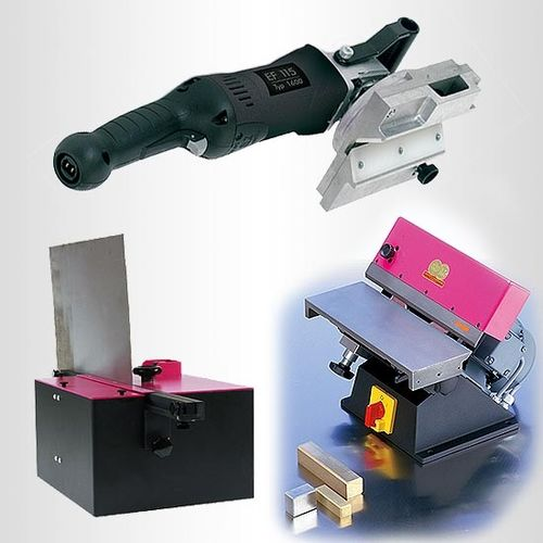 Hand-held and bench-mounted deburring machines